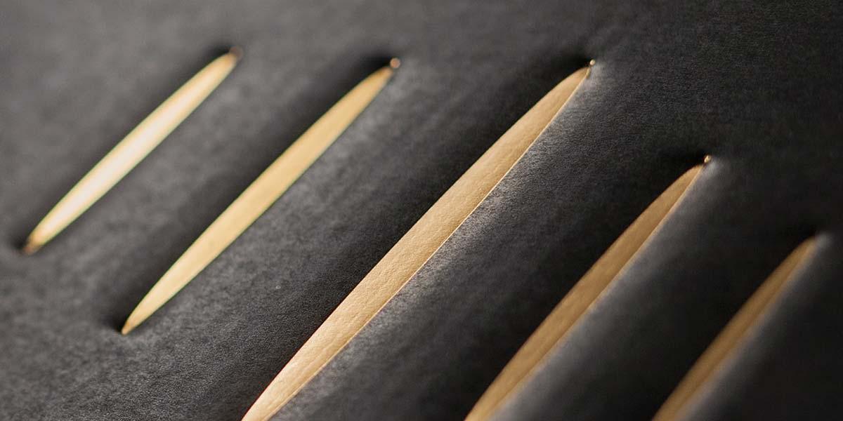 Stampa a caldo in bassorilievo su cartone ondulato